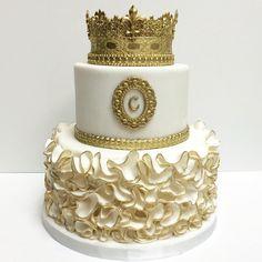 Birthday cake for a princess. #deliciousarts #cakebydeliciousarts #custom #birthday #cakes #birthdaycake #gold #crown #princess #royal #edible #sugarart #ruffles #losangeles #westla #westpico #bakery