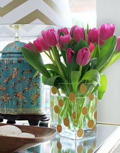 DIY gold dot vase