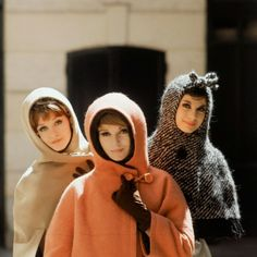 Dior Glamour - Canada and Amsterdam suits © Mark Shaw Trim little hoods with capes or short coats, hood at left is lined with ocelot, hood in center lined with nutria and tweed bow trims hood on right, all by Marc Bohan for Dior 1961 © Mark Shaw 1960s Fashion, Paris Fashion, Fashion News, Vintage Fashion, Fashion Glamour, Fashion Mag, Mod Fashion, Fashion Beauty, Christian Dior