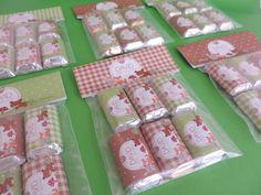 paquetes de dulces personalizados para un baby shower de picnic con