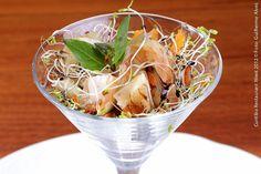 Le Bourbon (jantar)  Aspic de frutos do mar em berço de brotos e algas