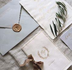 cachet de cire + enveloppe grises