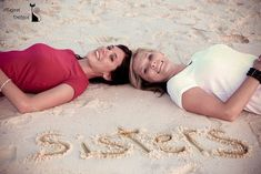 Sister beach pictures, family beach pictures ideas, family beach poses, s. Family Beach Poses, Family Beach Pictures, Vacation Pictures, Vacation Ideas, Photos Bff, Sister Photos, Sister Beach Pictures, Beach Pics, Friend Pictures