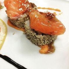 #locanda ontecavallo #sushi #sushiami #turbante #springroll #salmone #rimini #riminicentro #ristorante #food #istafood #fish by locandamontecavallo