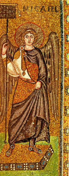 Basilica di Sant'Apollinare in Classe.  I mosaici del periodo giustinianeo. L'ARCANGELO MICHELE. L'arco trionfale. 535-549