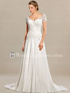 Summer wedding dress offers a flowy and casual silhouette.