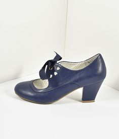 Vintage Style Navy Blue Leatherette Mary Jane Bow Wiggle Heels - [the beautiful and the damned] - Vintage Inspired Shoes, Vintage Shoes Women, Vintage Style Shoes, Vintage Heels, 1950s Fashion Shoes, 1930s Shoes, Vintage Fashion, 1940s Fashion Women, Victorian Fashion