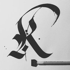 Look mum, my first fraktur gothic. Learn calligraphy K Gothic Lettering, Tattoo Lettering Fonts, Graffiti Lettering, Calligraphy Types, Calligraphy Alphabet, Typography Letters, Creative Lettering, Lettering Design, Desenho Tattoo