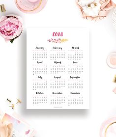 Free Printable 2018 Calendar - This beautiful floral printable calendar will help you plan and organize your new year in gorgeous style.
