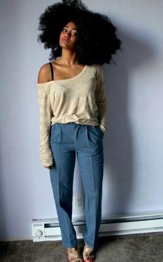 Cabelo natural, cacheado, ondulado, crespo, afro, black power e volumoso.