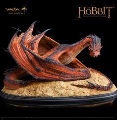 The Hobbit: The Desolation of Smaug - Smaug the Terrible Statue