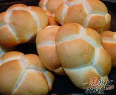 Hamburger s vepřovou pečení Easy Cooking, Cooking Recipes, German Bakery, Meat Rubs, Czech Recipes, Ciabatta, Bread Rolls, Pizza Dough, Snacks