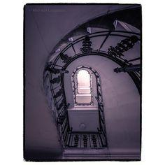 """Miró von Laugaricio na Instagrame: """"#miró_von_laugaricio"""" Stairs, Train, Architecture, City, Design, Arquitetura, Stairway, Staircases"""