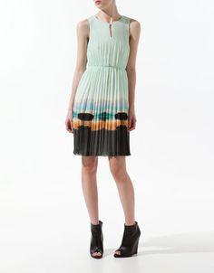 Zara, Dress