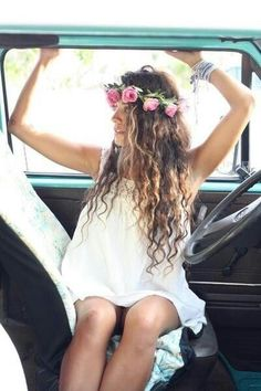 I <3 everything about this from the flower crown, to the lace dress, to the old truck!!