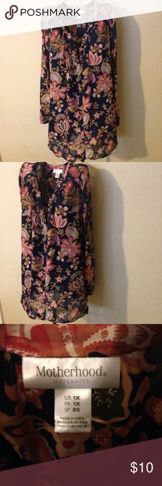 Pretty maternity wear to work blouse size 1X look! Very pretty blouse has built in cami perfect for work or play!! Motherhood Maternity Tops Blouses