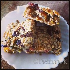 These healthy, delicious oaty bars have to make you smile, packed full of fruit, seeds and with only 1 tbsp oil and 1 tbsp honey in the whole recipe, these really are a healthy alternative to a sug…