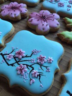 gallery of cookie plaques Fancy Cookies, Iced Cookies, Easter Cookies, Royal Icing Cookies, Flower Sugar Cookies, Blossom Cookies, Cupcakes, Cupcake Cookies, Cookie Decorating Party