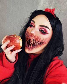 Snow White poison apple Halloween costume party make up Visage Halloween, Creepy Halloween Makeup, Creepy Makeup, Halloween Looks, Sfx Makeup, Costume Makeup, Makeup Art, Teen Makeup, Halloween Clown