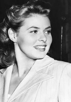 Ingrid Bergman (* 29. August 1915 in Stockholm; † 29. August 1982 in London) war eine schwedische Schauspielerin. Die dreifache Oscar-Preisträgerin gilt allgemein als eine der bedeutendsten und populärsten Schauspielerinnen der Filmgeschichte.