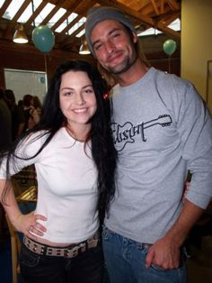"""thejigglyroom: """" Amy Lee + Josh Holloway How can there be so much squee in one photo? Amy Lee Hair, Emy Lee, Josh Holloway, Mitch Lucker, Bring Me To Life, Amy Lee Evanescence, Claire Holt, Perfect Woman, Celebs"""