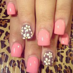 Nail Art.     Color w/ Flower Design.
