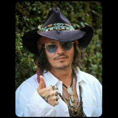 Johnny Depp Photo: Johnny Depp sending Lane Goodwin a thumbsup Johnny Depp, Here's Johnny, Hot Actors, Actors & Actresses, Hollywood Action Movies, Captain Jack Sparrow, Most Beautiful Man, Absolutely Gorgeous, Just In Case