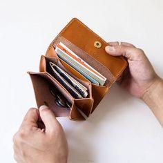 ひとつでふたつ以上の使い道。フレキシブルさが魅力の「Box&Cox」の革製品 | キナリノ