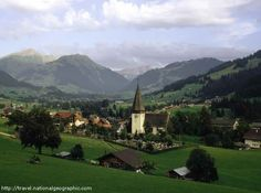 A tour of the Swiss Alps - read more at http://destinations-for-travelers.blogspot.com.br/2012/11/tour-pelo-alpes-suicos.html #switzerland #swiss
