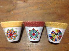 Vasos em mosaico
