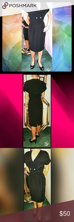 SALE🌹HP🎈🌹🎆ALBERT NIPON LBD...SIZE 6 THIS LBD IS A KNOCKOUT!!. WORN 2 TIMES. EXCELLENT PRE-LOVED CONDITION. WISH I COULD STILL WEAR...TOO NICE TO HANG IN MY CLOSET . Albert Nipon Dresses