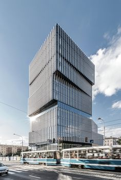 Tower Center / Maćków Pracownia Projektowa Building of the day - Silver Tower Center Wrocław, Poland Office Building Architecture, Modern Architecture Design, Building Facade, Commercial Architecture, Facade Design, Facade Architecture, Amazing Architecture, Building Design, Classical Architecture