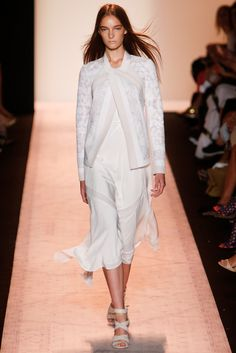 Spring 2015 Ready-to-Wear - BCBG Max Azria | layers of white
