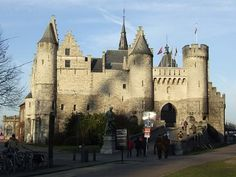 "Het Steen (the stone) is the oldest building in Antwerp, it was build between 1200-1225. It is called ""Het Steen"" because it was one of the first buildings in stone."