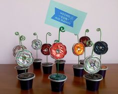 Creation with Nespresso capsule - a cup of imagination - Fashion And Hairstyle Coffee Art, Coffee Pods, Baby Crafts, Crafts For Kids, Dosette Nespresso, Cappuccino Machine, Recycling, Art For Kids, Diy Hacks