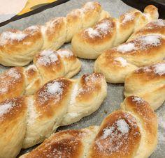 Ricetta Treccine – Morbide brioches ricoperte di zucchero   Chefpy