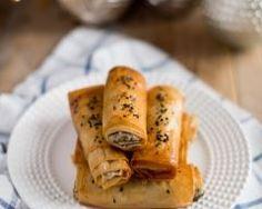 Brick au chèvre et au saumon fumé : http://www.cuisineaz.com/recettes/brick-au-chevre-et-au-saumon-fume-44742.aspx