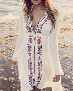 White Print Dress V Neck Going out Boho Floral Beach Dress – lalasgal Floral Beach Dresses, Beach Wear Dresses, Casual Dresses, Maxi Dresses, Dress Beach, Dress Summer, Beach Kaftan, Denim Dresses, Wedding Dresses
