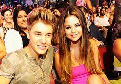 23-Jun-2014 11:53 - SELENA GOMEZ EN JUSTIN BIEBER WEER SAMEN?. Ze kunnen niet met elkaar, maar ook zeker niet zonder elkaar. Afgelopen weekend werden Selena Gomez en Justin Bieber weer samen gespot...