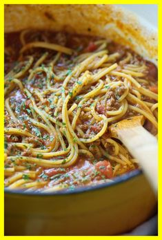Best Spaghetti Recipes - Easy Ideas for Spaghetti Pasta Best Spaghetti Recipe, One Pot Spaghetti, One Pot Pasta, Spaghetti Bolognese, Spaghetti Recipes, Pasta Recipes, Turkey Spaghetti, Homemade Spaghetti, Skillet Recipes