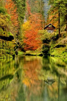 mountain cabin, Czech (Bohemian) Switzerland, NW Czech Republic.  Photo: Lukáš Pastorek via 500 px