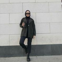 Street Hijab Fashion, Muslim Fashion, Fashion Outfits, Style Fashion, Fashion Ideas, Beautiful Hijab Girl, Mode Hijab, Hijab Outfit, Outfit Goals