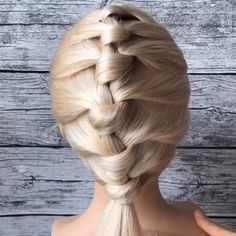 Great tutorial 😍💕💕 By: Easy Hairstyles For Long Hair, Braids For Long Hair, Braided Hairstyles, Updo Hairstyle, Braided Updo, Prom Hairstyles, Hair Upstyles, Long Hair Video, Hair Videos