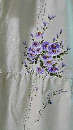 Acrylic Painting Flowers, Acrylic Art, Fabric Painting, Fabric Art, Fabric Paint Designs, Fabric Design, Illustration Blume, Bunch Of Flowers, Flower Designs