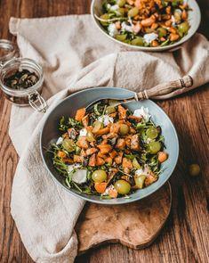 rukolovy salat recept Victoria's Kitchen, Kitchen Stories, Curry, Ethnic Recipes, Food, Diet, Curries, Meals, Yemek