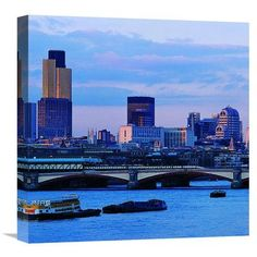 Global Gallery London, England (Center) Photographic Print on Wrapped Canvas Size: