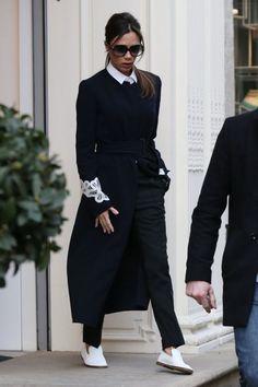 ヴィクトリア・ベッカム Victoria Beckham スニーカー ヒール引退宣言 フラットシューズ メンズライク スリッポン