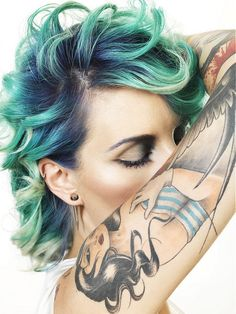 Perfection. Photography: Hugo Juillard @ PH STUDIO ... Green hair