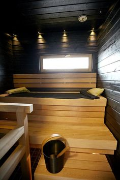 Sauna Saunas, Sauna Lights, Sauna Design, Outdoor Sauna, Finnish Sauna, Sauna Room, Spa Rooms, Bathroom Toilets, Sauna Ideas
