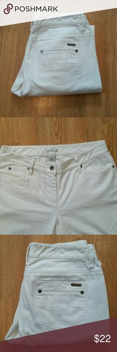 Cute Kenneth Cole white jeans Kenneth Cole white jeans. Two back pockets which do not open. 98% cotton 2% spandex Kenneth Cole Jeans Straight Leg